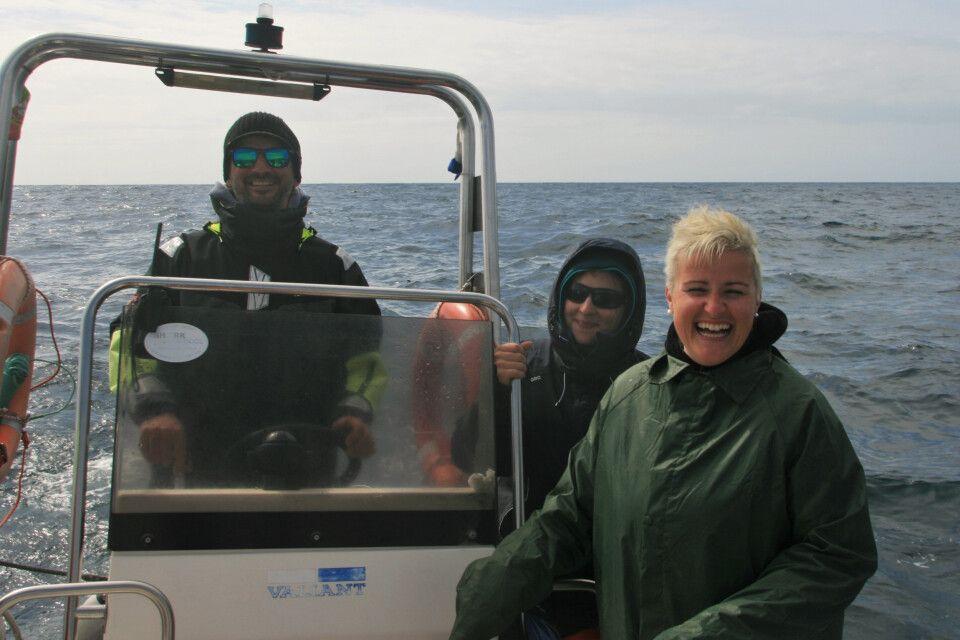 Glückliches Skipper-Team nach einer Blauwalsichtung