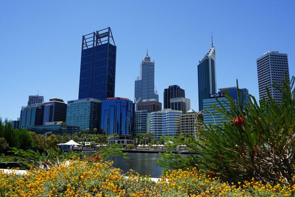 Perth, Hauptstadt Western Australia's und an der Mündung des Swan River gelegen, ist Ausgangspunkt für Erkundungen entlang der Westküste.