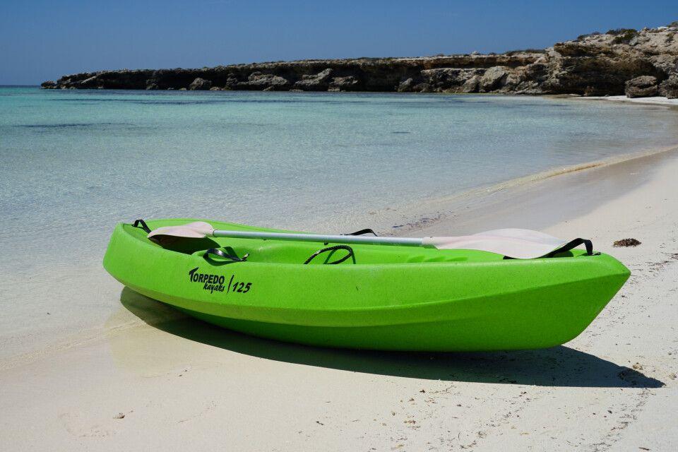 Auf den Abrolhos Inseln gehört Kajaken zum Pflichtprogramm.