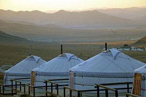 Jurtencamp am Berg Bogd-Khan