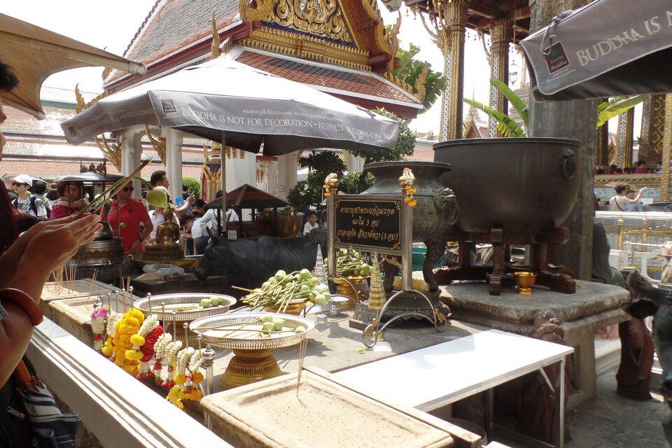 Tempelbesuch in Thailand