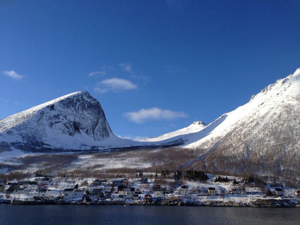 strahlend blauer Winterhimmel