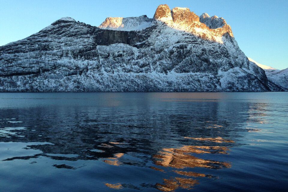die letzten Sonnenstrahlen verlassen den Berg