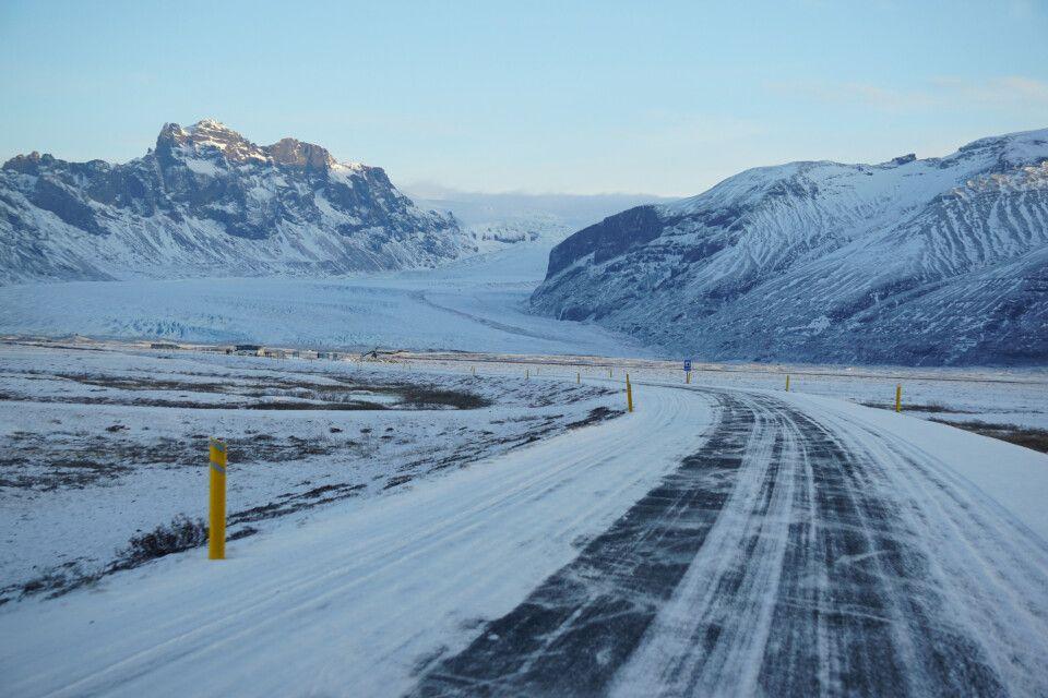 Winterliche Straßenverhältnisse im Skaftafell-Nationalpark