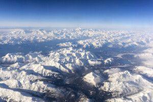 Spektakuläre Sicht während des Fluges nach Whitehorse