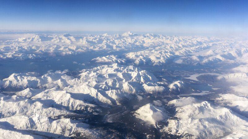 Spektakuläre Sicht während des Fluges nach Whitehorse © Diamir