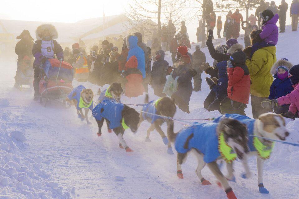 Eisige Startbedingungen beim Yukon Quest
