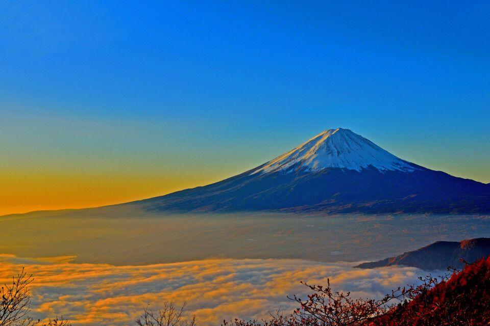 Der mächtige Fuji-san in der Abendsonne