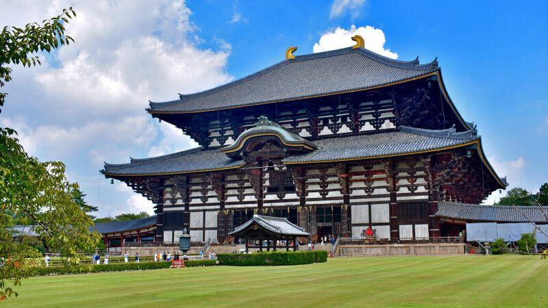 Einst das größte Holzgebäude der Welt – der Todaiji Tempel in Narai © Diamir
