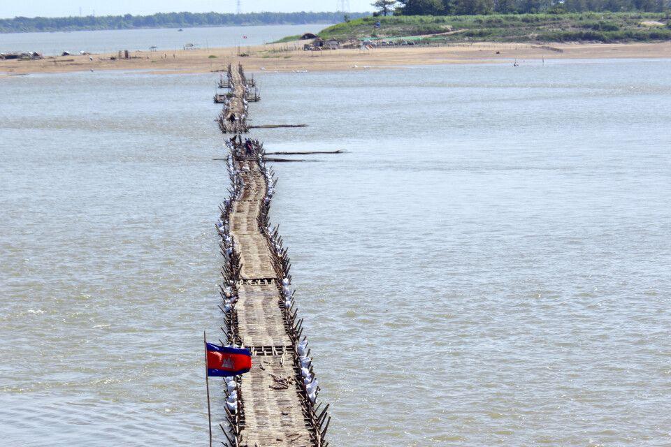 Saisonale Bambusbrücke in Kampong Cham