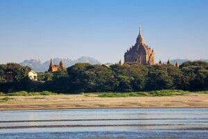 Bagan vom Fluss Irrawaddy aus gesehen
