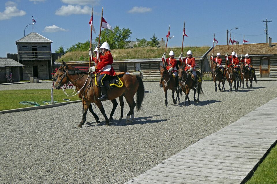 Parade der North West Mounted Police im Fort Museum, Fort MacLeod