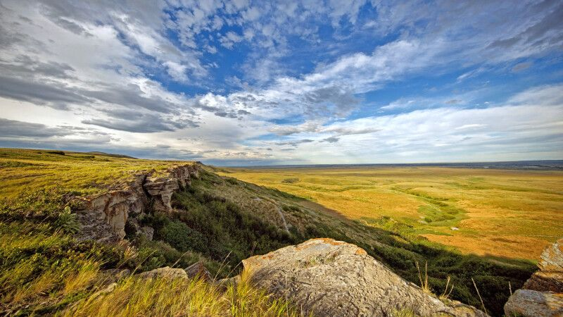 Blick vom Head-Smashed-In-Buffalo-Jump in die Prärie © Diamir