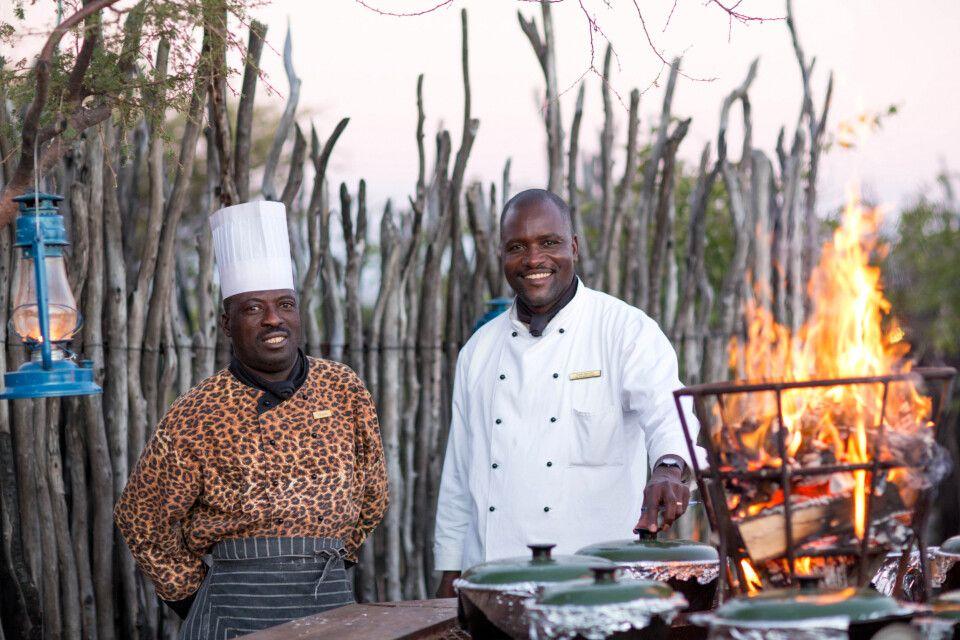 Traditionelles Boma unter dem afrikanischen Sternenhimmel