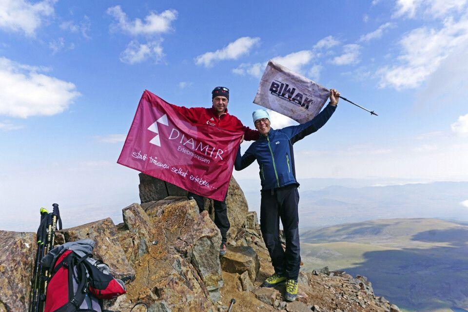 Gipfel erreicht – Aragats-Nord