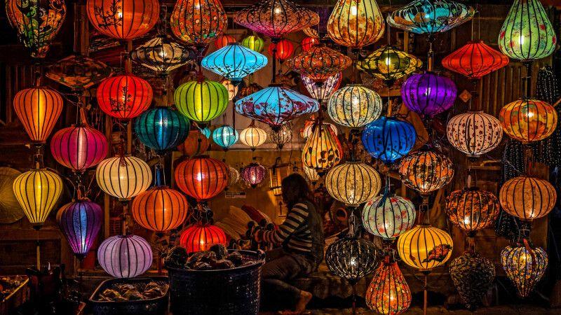 Lampions in der kleinen Stadt Hoi An © Diamir