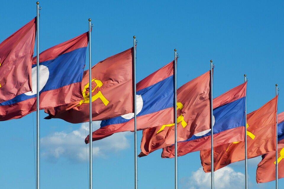 Flaggen in Vientiane