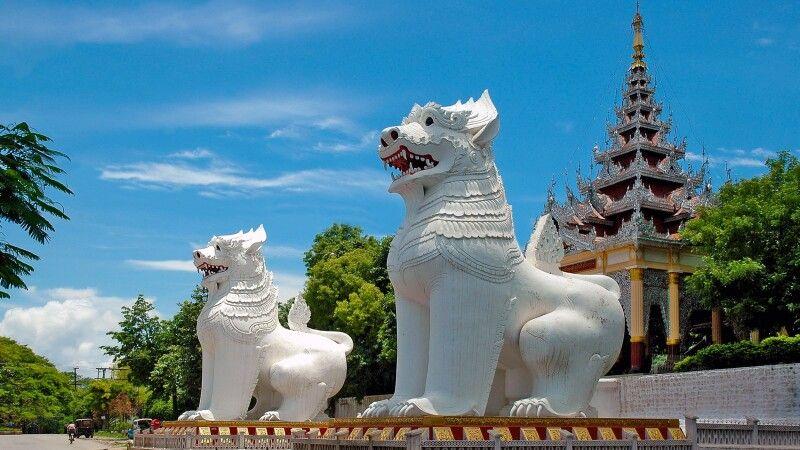 Löwenwächter am Tempel in Mandalay © Diamir