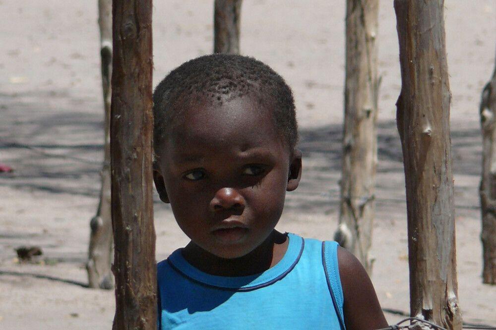 Kind der einheimischen Khoi-San (Buschleute)