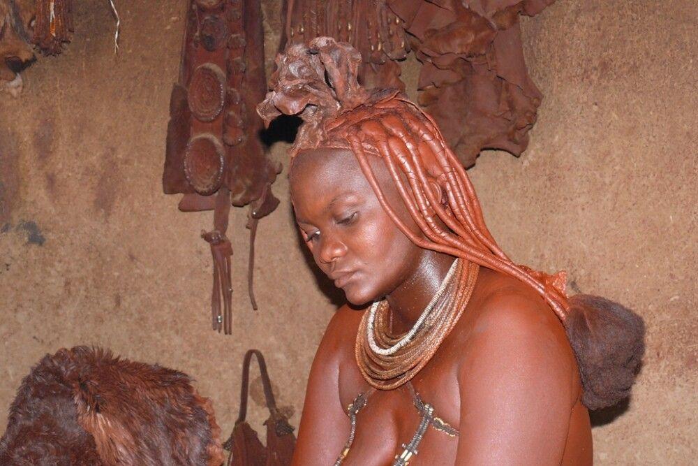 Zu Besuch im Himbadorf