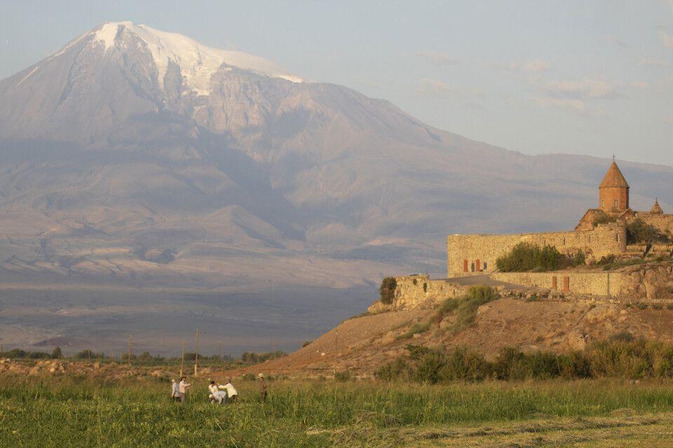 Khor Virap mit Ararat am Morgen