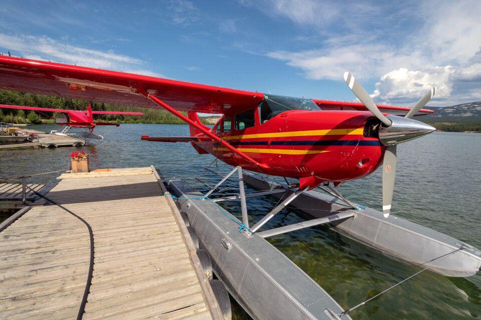 Wasserflugzeug auf dem Schwatka Lake, Whitehorse, Yukon