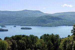 Landschaft am Lake George, Adirondacks, New York
