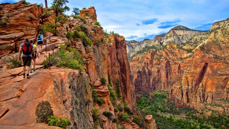 Wanderer im Zion-Nationalpark, Utah © Diamir