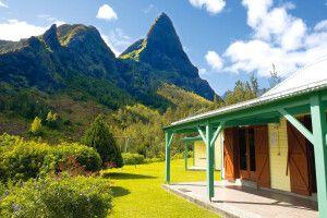 Blick von einer Berghütte im Mafate Talkessel