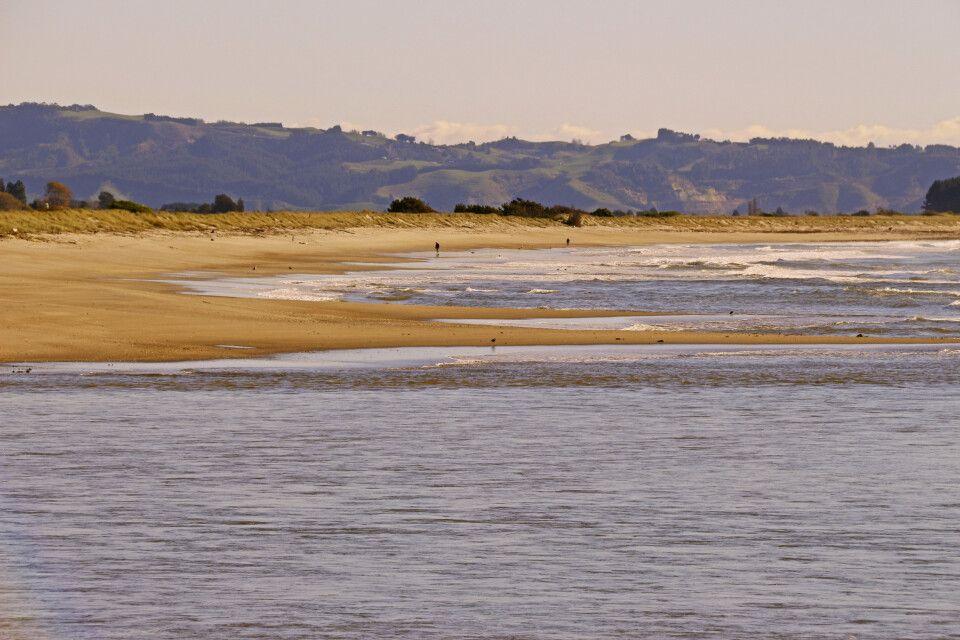 Spaziergang am Stran der Bay of Plenty