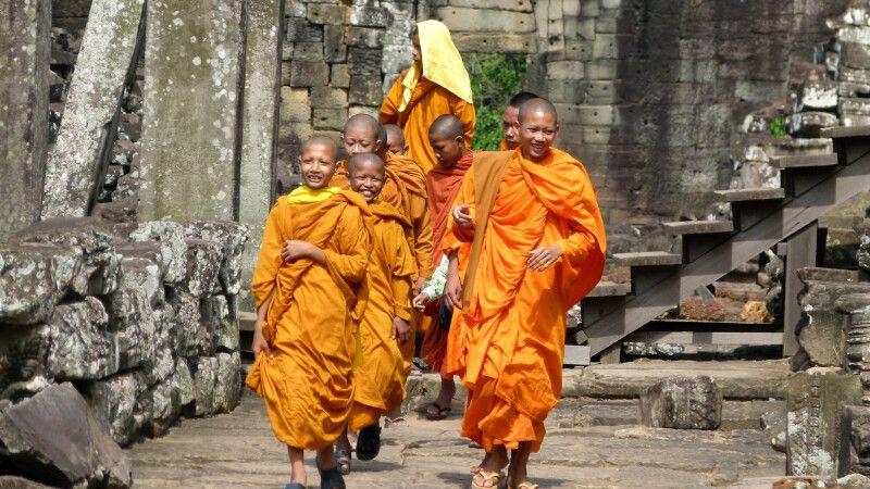 Lachende Mönche in Angkor © Diamir