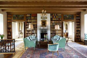 Entspannung findet man in der Bibliothek des Hauses
