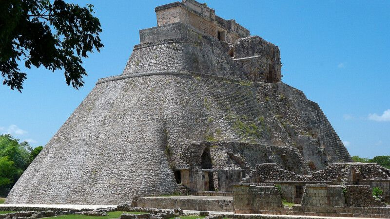 Adivino-Pyramide in Uxmal, Ruinenanlage der Maya © Diamir