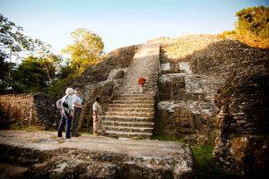 Die Pyramide von Lamanai ganz nah