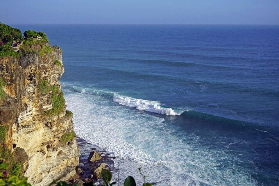 Wellen vor Uluwatu