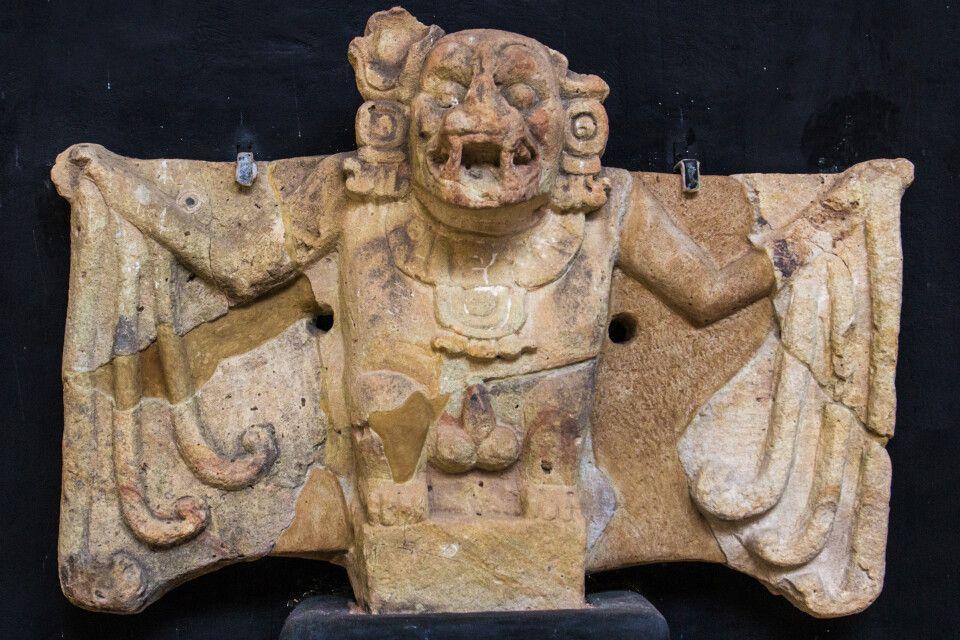 Blattnasenfledermaus im Skulptur-Museum