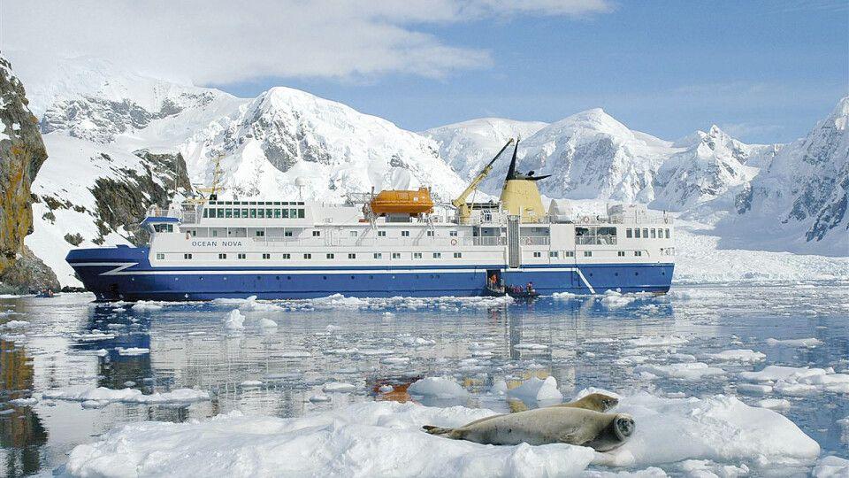 Die Ocean Nova in der Antarktis