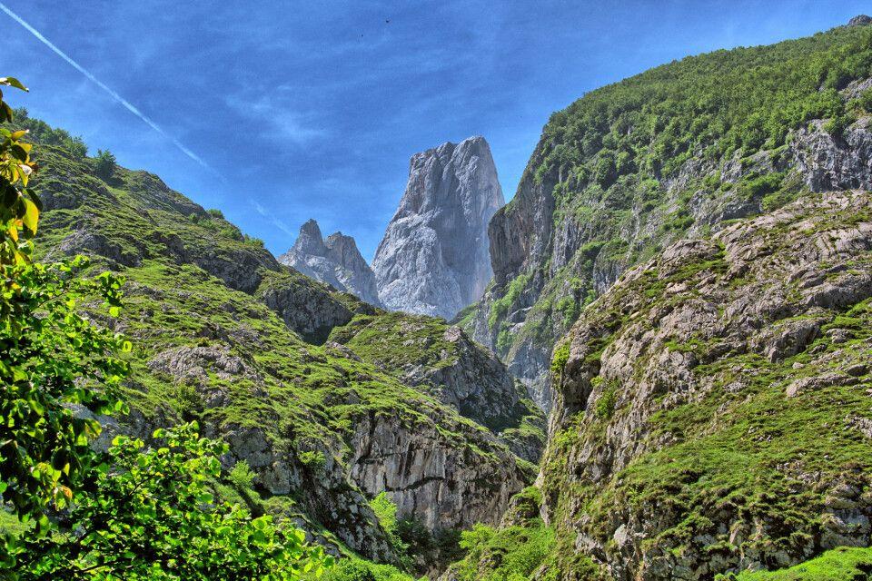 Schroffe Bergkulisse im Zentralmassiv
