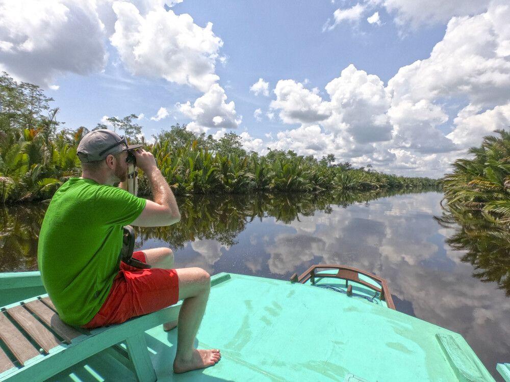 Auf dem Flussboot durch Borneo
