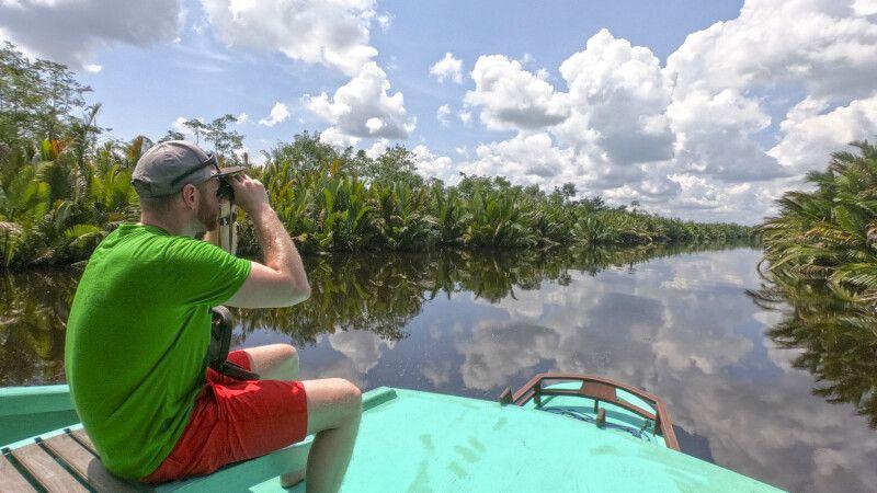 Auf dem Flussboot durch Borneo © Diamir