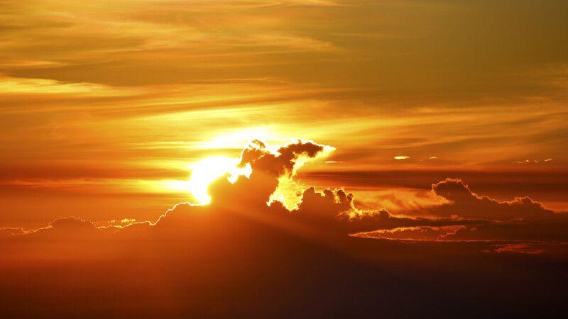Sonnenuntergang vor Vulkankulisse © Diamir