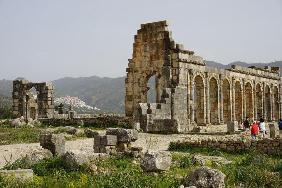Antike Monumente des ehemaligen römischen Handelszentrums Volubulis