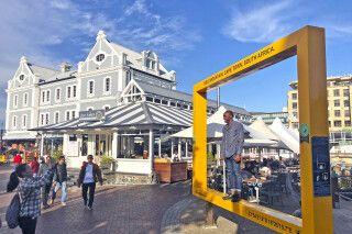 Typische Architektur an der V&A Waterfront im Hafen von Kapstadt