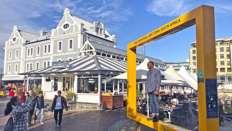 Typische Architektur an der V&A Waterfront im Hafen von Kapstadt © Diamir