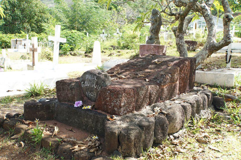Das Grab des französischen Malers Paul Gauguin auf Hiva Oa.