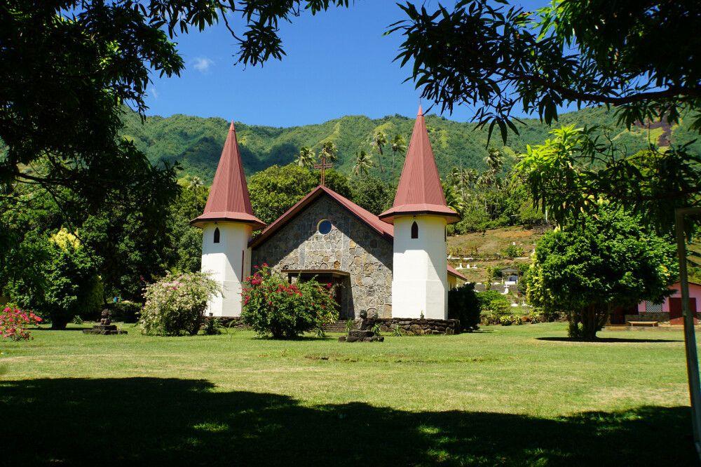 Die Kirche von Hatiheu auf Nuku Hiva.