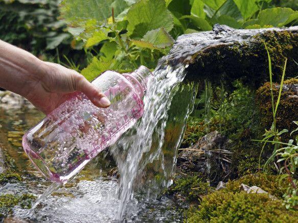 Frischwasserversorgung am Wanderweg