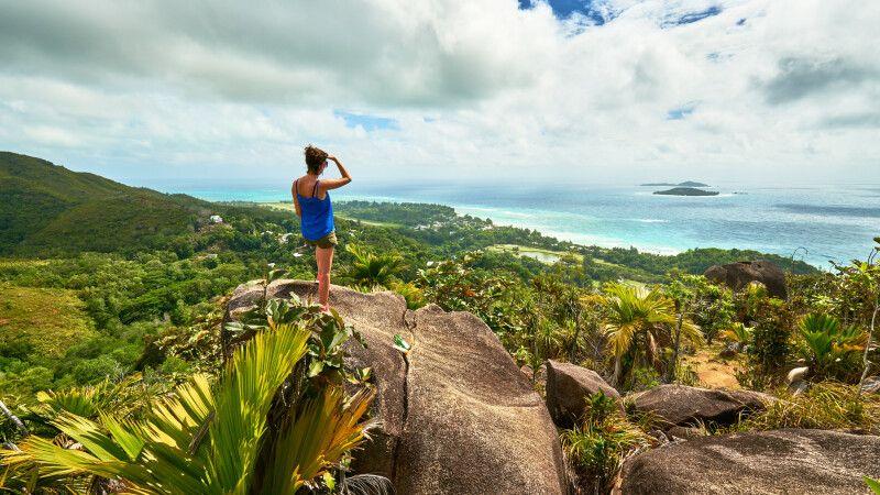 Wandern in den Bergen der Insel Praslin, Seychellen © Diamir