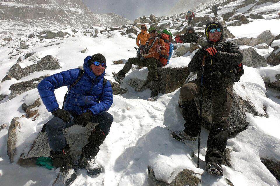 Pause kurz vor dem Cho-La-Pass (5420 m)