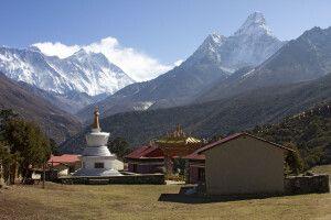 Kloster Tengboche mit Ama Dablam (6812 m) im Hintergrund